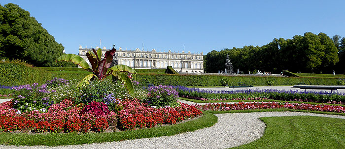 Picture: Parterre in front of Herrenchiemsee New Palace
